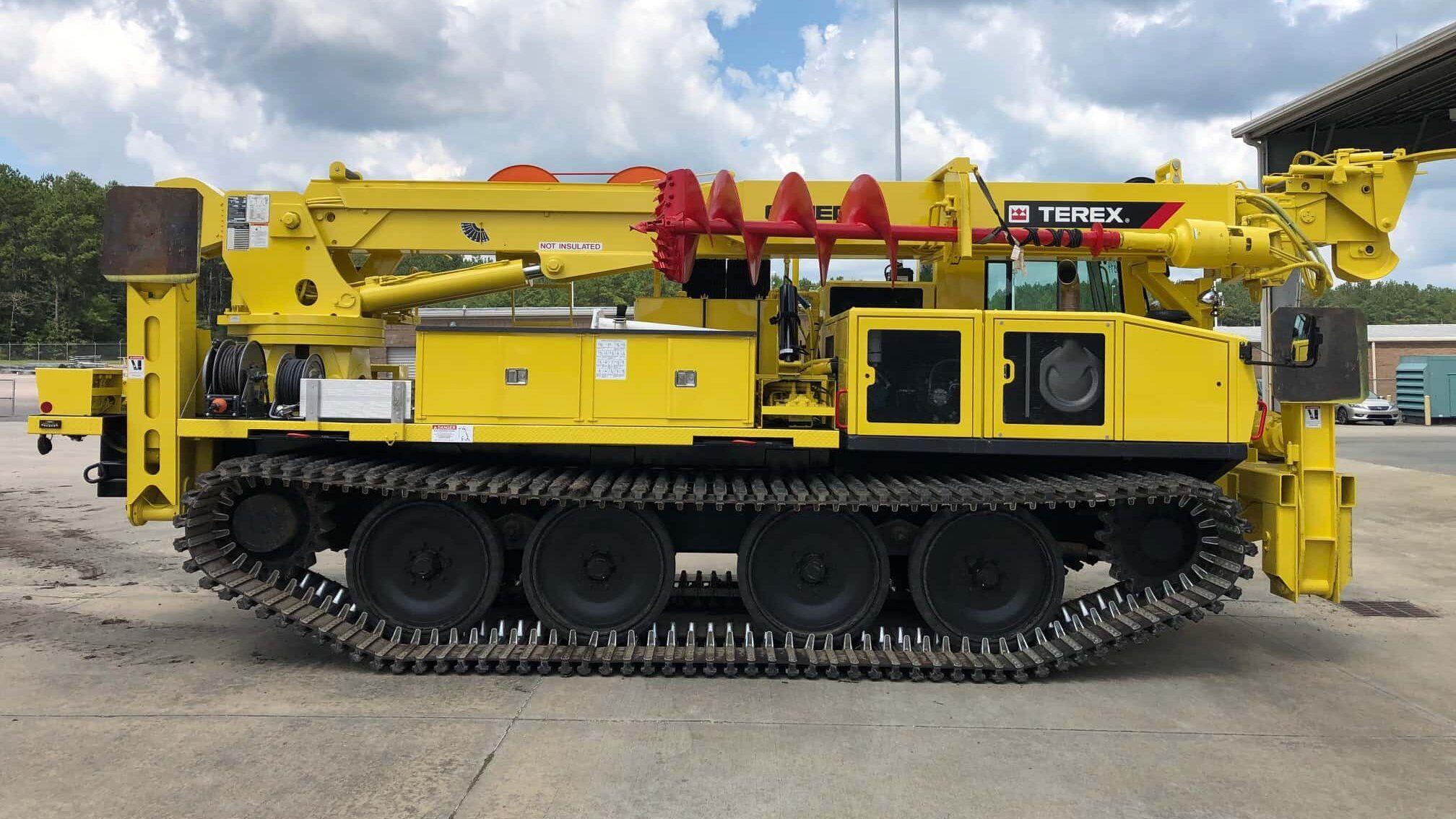 PowerBully Kettenfahrzeug mit Terex-Aufbau