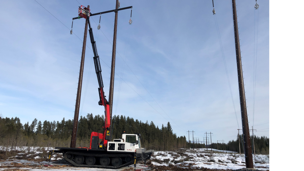 PowerBully track carriers in use for power lines maintenance